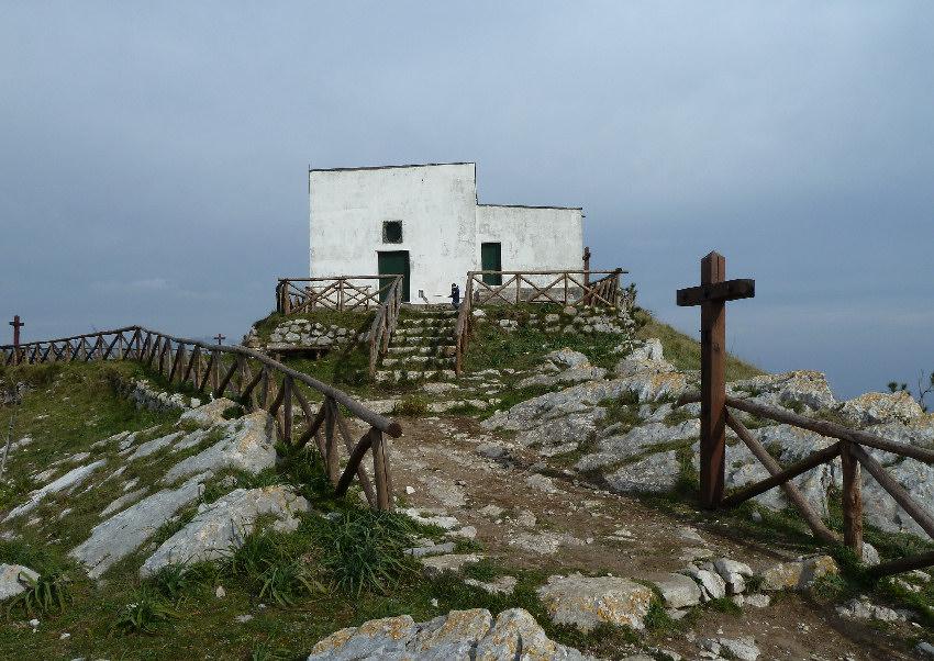Monte San Costanzo Massalubrensesorrento Info Turistiche